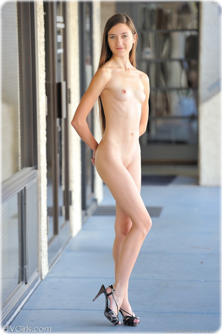 006 Claire, ballerina nude on the road
